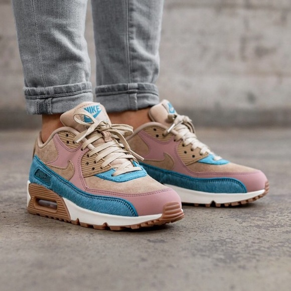 Women s Nike Air Max 90 LX Sneakers 8f4b9820df
